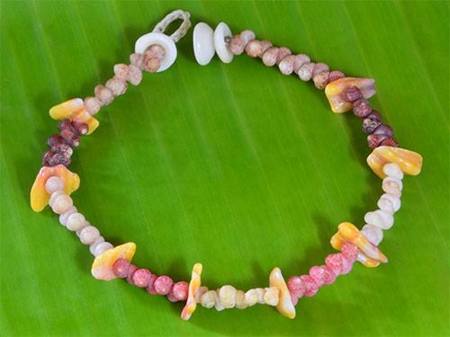 Kahelelani Shell Bracelet
